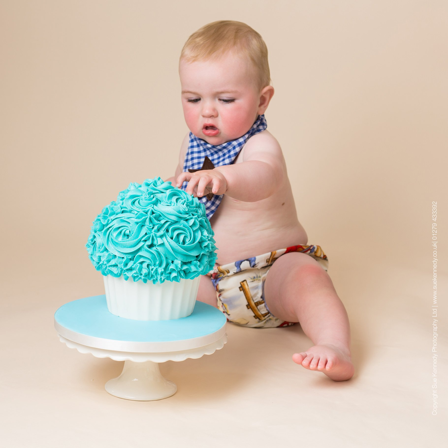 Cake Smash Photography by Sue Kennedy Photography ltd - 01279 433392